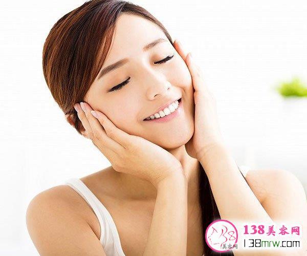 睡前怎么护肤可以美白 睡前美白护理方法get起来