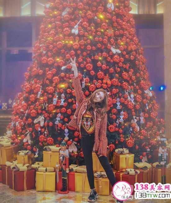 圣诞节明星发型get起来 范冰冰杨幂圣诞装扮PK谁最美