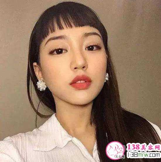 二次元刘海适合什么发型 长发和短发都很搭配