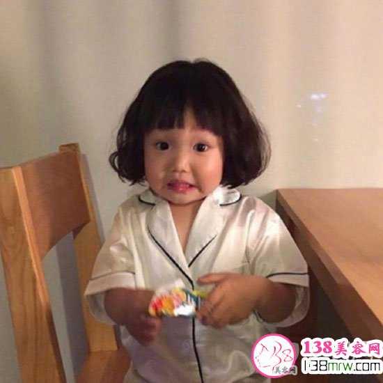 儿童发型短发萌呆可爱 小女孩短发发型图片
